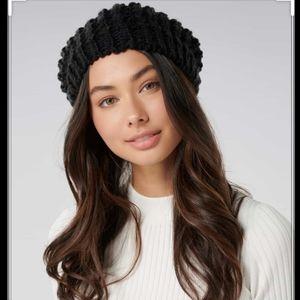Black Knit Beret Hat Jacob Wool Yarn